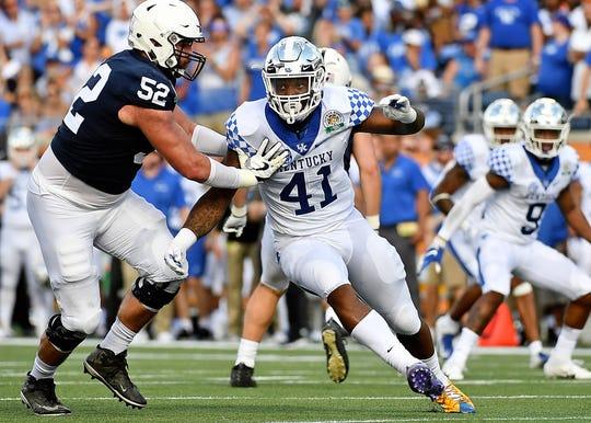 Kentucky linebacker Josh Allen pass rushes against Penn State offensive lineman Ryan Bates during the 2019 Citrus Bowl.