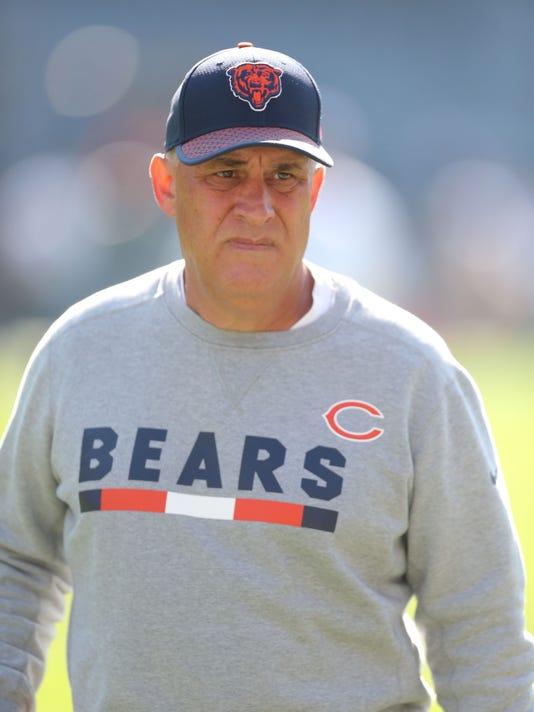 Xxx Img Sw Vic Fangio 1 1 Jvmi7j4f Jpg S Fbn Chi Pit Usa Il. Chicago Bears  defensive coordinator Vic Fangio will be the Denver Broncos  new head coach. e1632b2fe