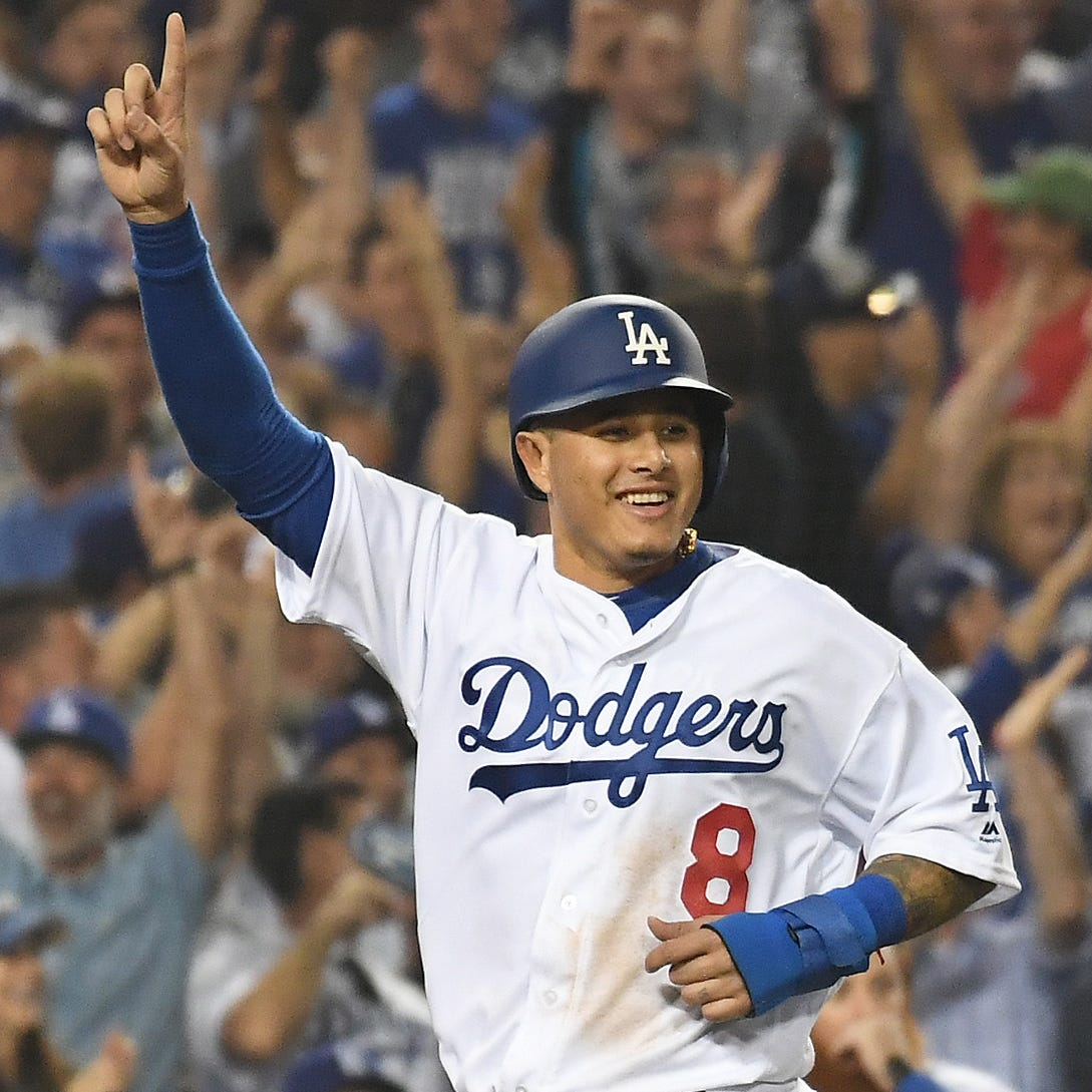 Manny Machado agrees to 10-year, $300 million deal with San Diego Padres