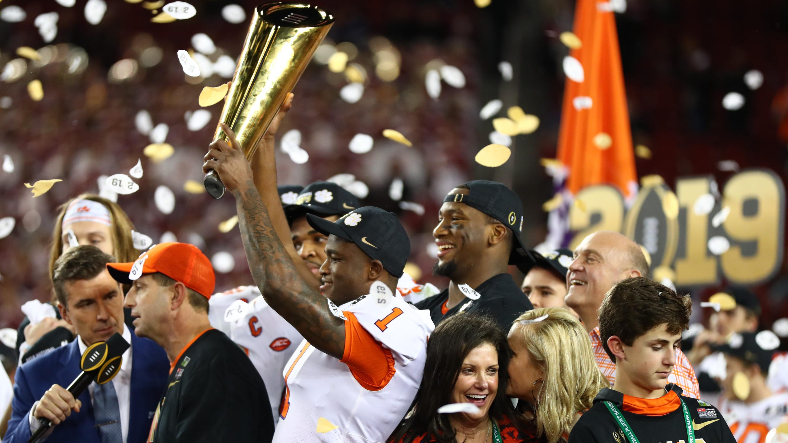 Donald Trump tweets that national champion Clemson football team will visit  White House 4220218d9