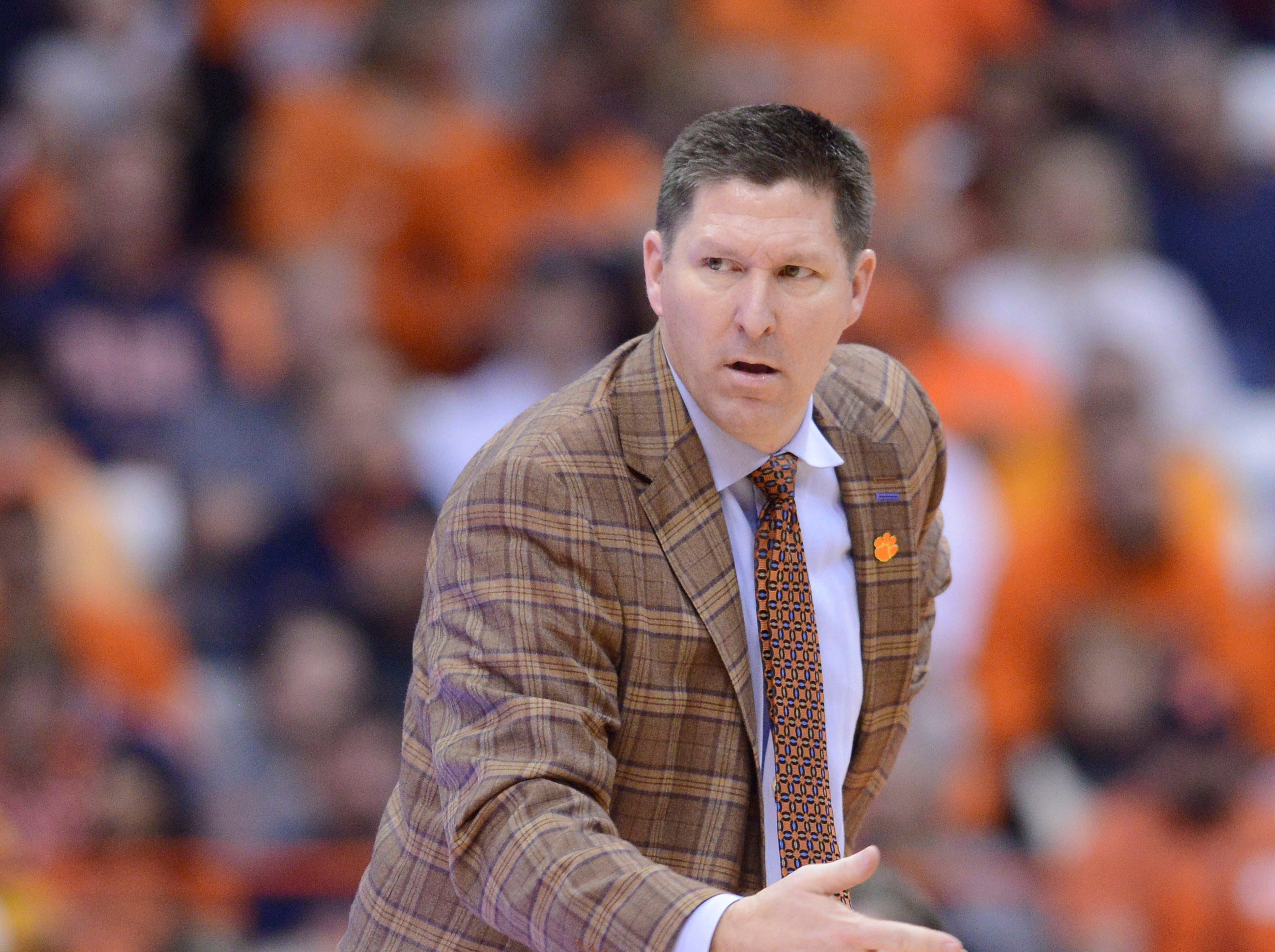 Jan 9, 2019; Syracuse, NY, USA; Clemson Tigers head coach Brad Brownell calls out to his team during the second half against the Syracuse Orange at the Carrier Dome.
