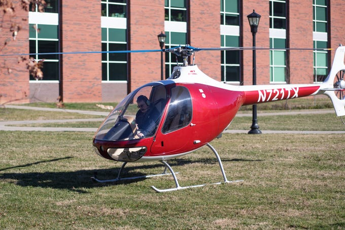 Charles Weigandt lands the GOV 1 helicopter at Austin Peay State University on Wednesday, Jan. 9, 2019.