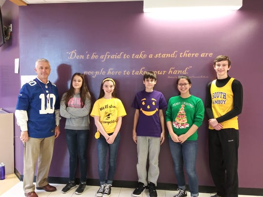 Throughout the school year, the Middle/High School teaching staff nominates students. The nominations are based on character, school spirit, and academic integrity. For November/December, we are happy to announce our winners. Pictured from left to right: Principal - Dr. Patrick McCabe, and Middle School students: Grade 6 - Ola Slomiany,  Grade 7- Lola Grasso , Grade 8 - Nicolas Szatkowski, and High School students: Renee Piazolla and Spencer Kennedy.