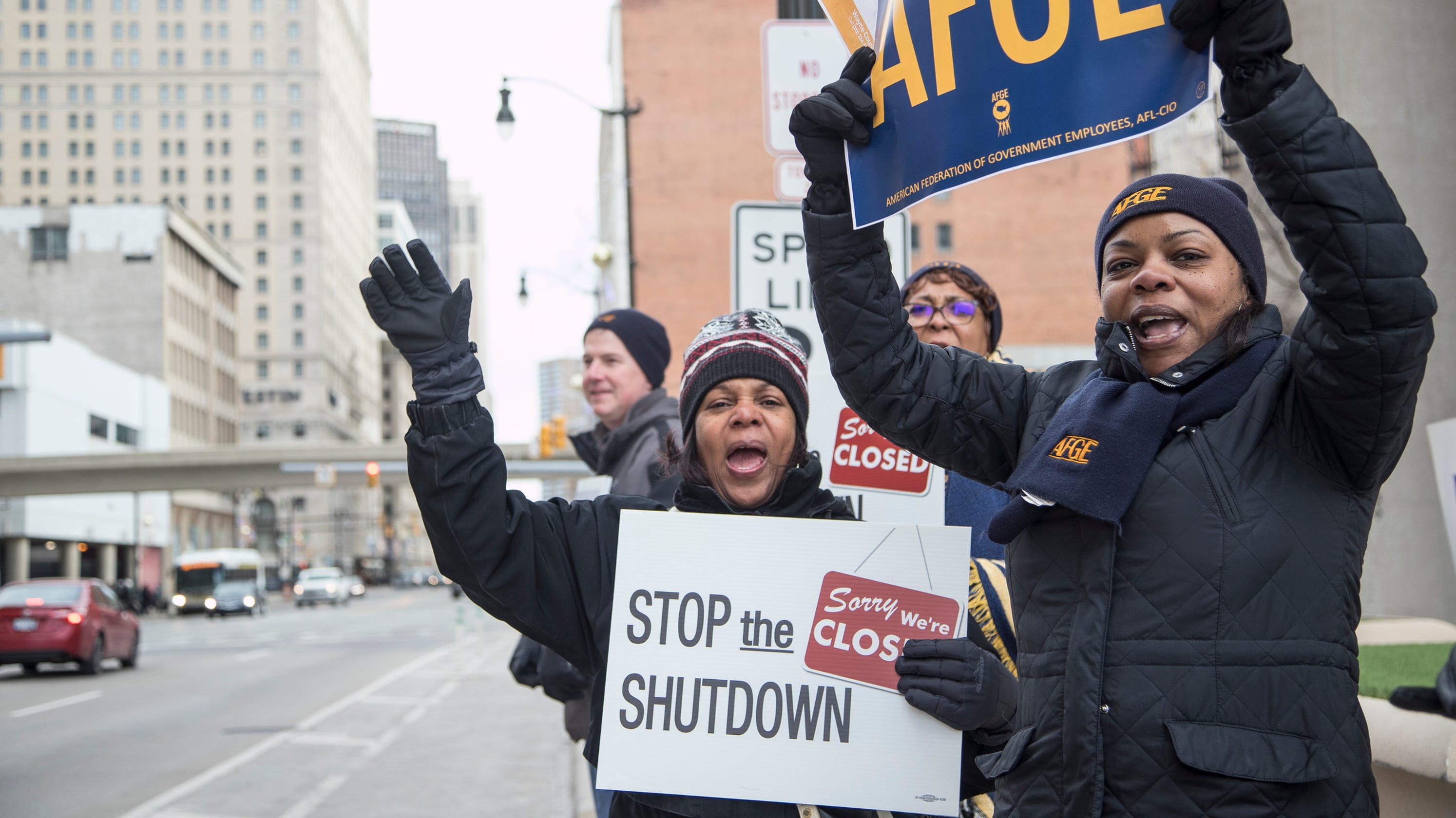 Federal workers rally in Detroit to protest government shutdown