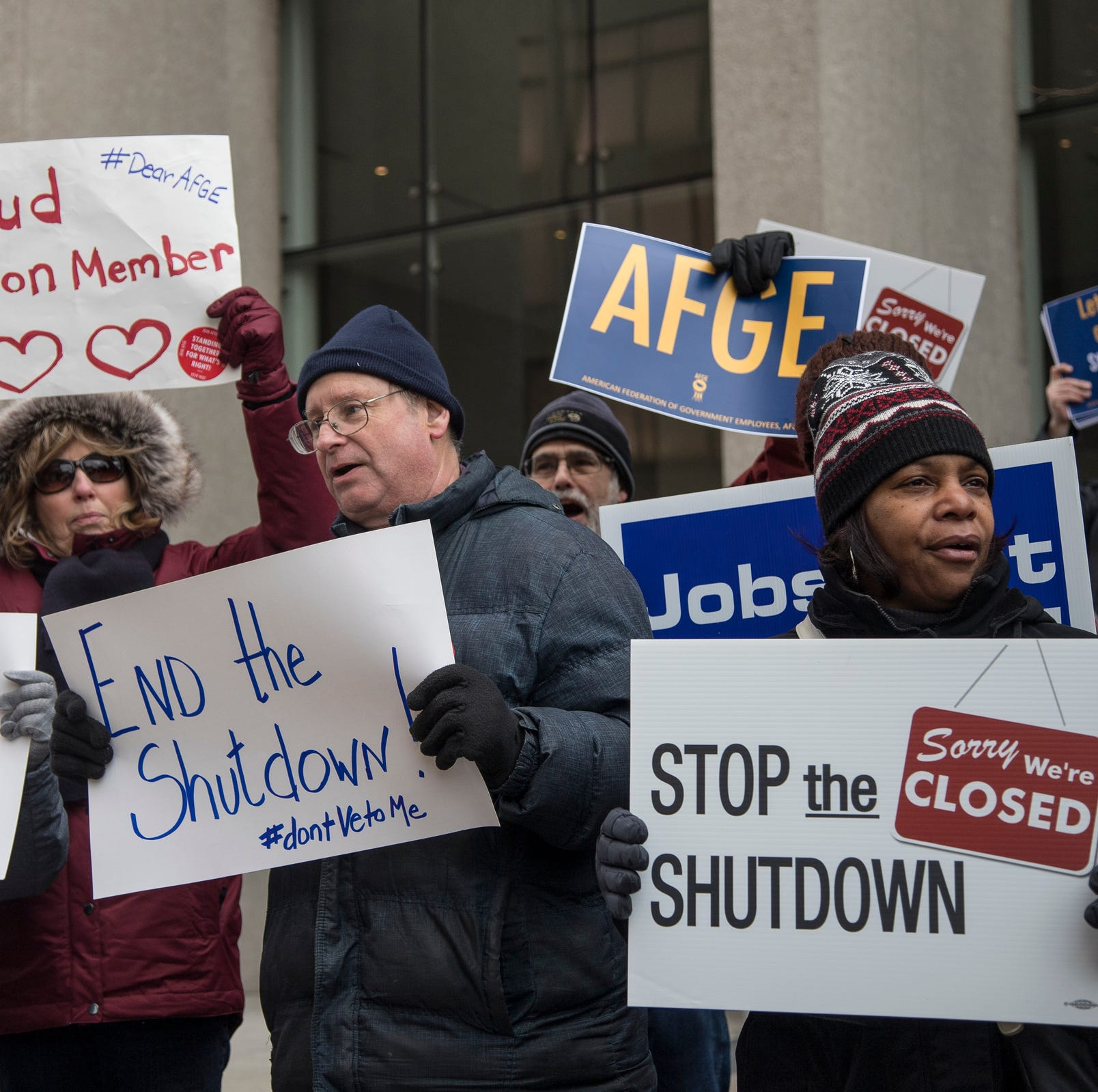 Government shutdown: Freebies for furloughed federal workers