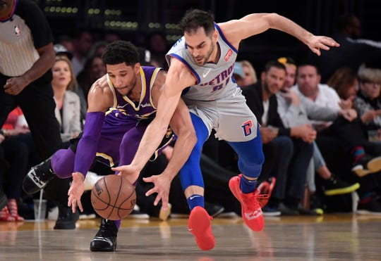 Jose Calderon and the Pistons suffered a 113-100 loss to the Los Angeles Lakers on Wednesday.