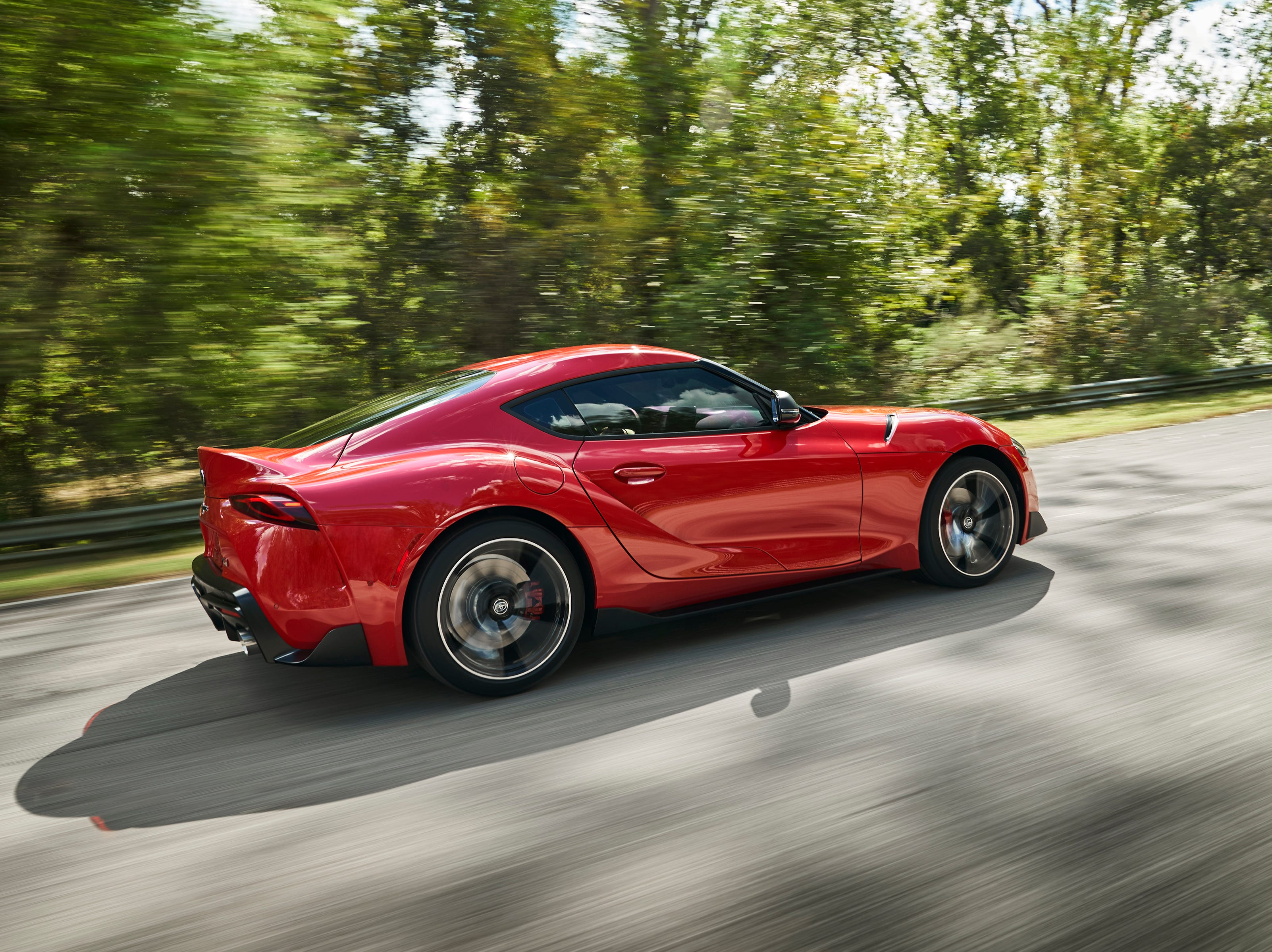 """""""The 8-speed automatic transmission delivers quick up- and downshifts and features paddle shifters for manual control when desired. Short ratios for the lower gears and a Launch Control function enable powerful acceleration with maximum traction."""""""