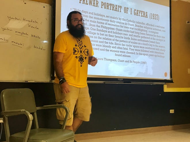 Independent Guåhan member and University of Guam assistant professor Michael Lujan Bevacqua delivers a workshop on cockfigthing culture and colonialism at UOG on Thursday, Jan. 10.