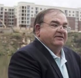 Is restaurant owner Mike Chase serious about run for Knoxville mayor?