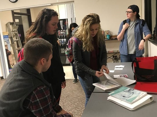 More than 20 students attended the first textbook swap, coordinated by Kirdron Stamper, student member of theOhio State Mansfield Board of Trustees.