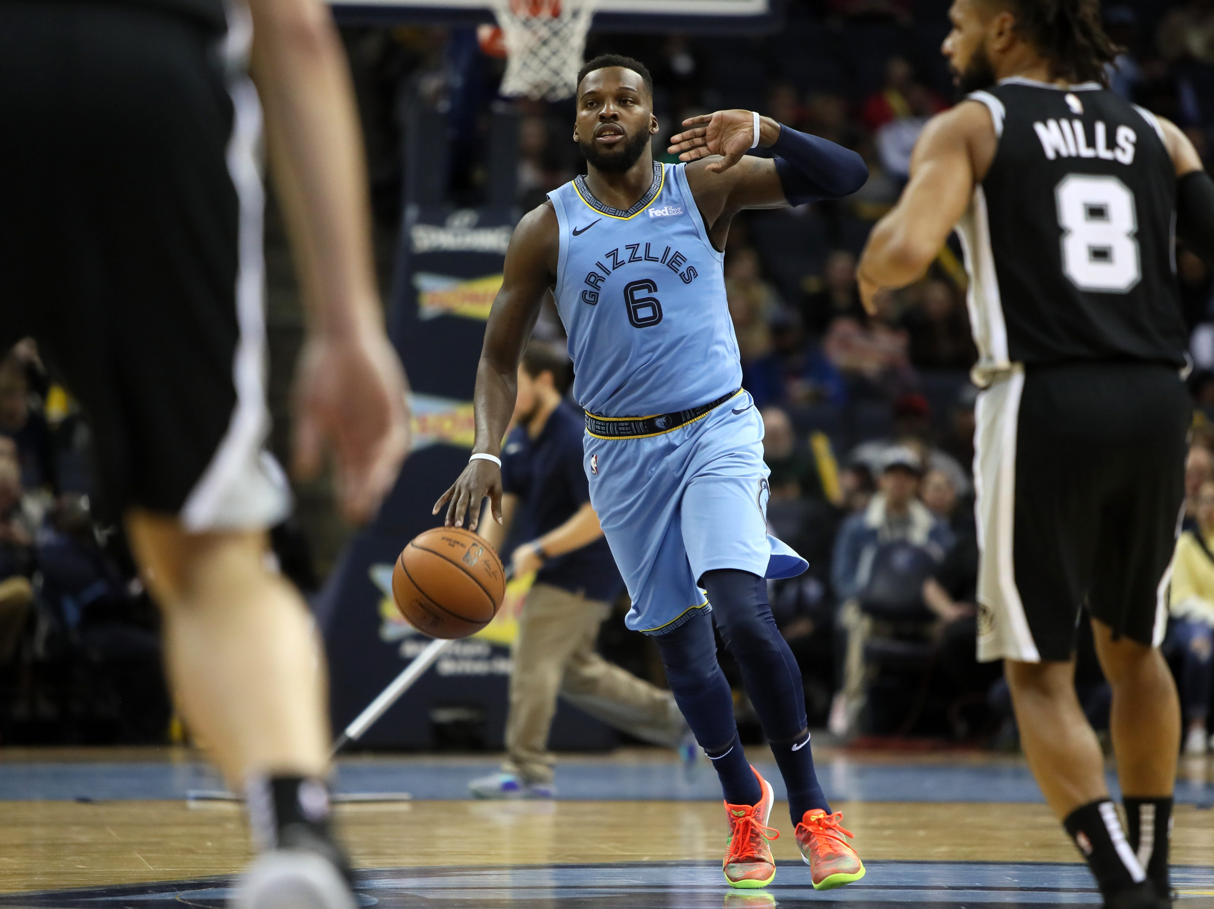 Memphis Grizzlies guard sShelvin Mack brings the ball up court against the San Antonio Spurs during their game at the FedExForum on Wednesday, Jan. 9, 2019.