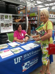 The Master Gardeners walk-in plant clinic has returned to Lowes, at the corner of 951 (Collier Boulevard) and U. S. 41.
