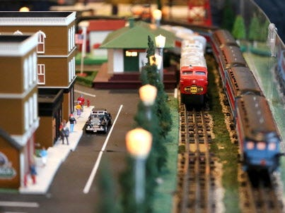 A variety of trains and layouts filled the lobby of the Domes at the 2015 train show.