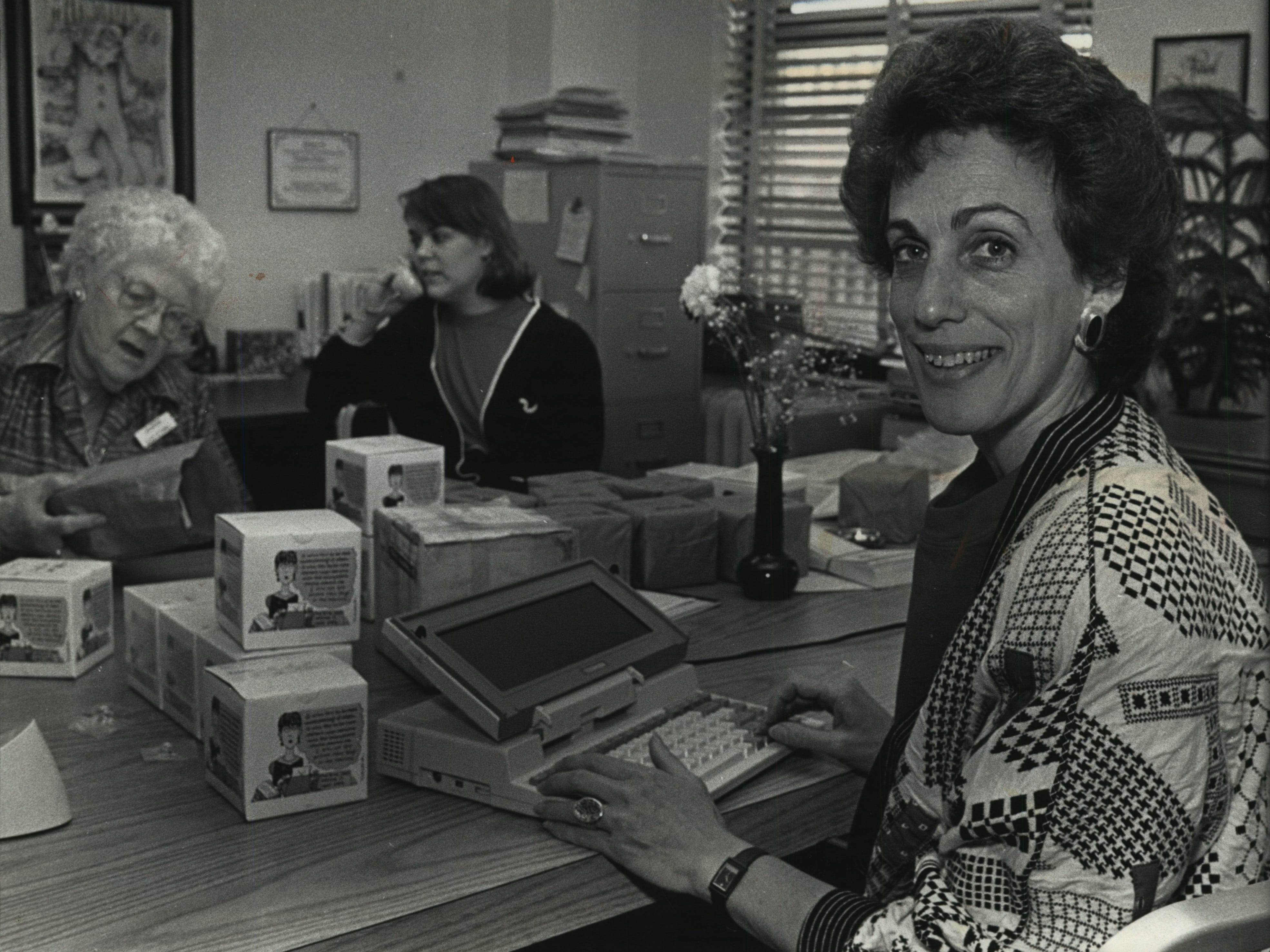 Ellen Bravo an anti-war activists in the 60s, now is full-time organizer of Milwaukee for 9to5, which seeks an improved lot for working women, especially those in clerical roles. Here she works with Ellen Peternell, a volunteer and Barbara Otto, director of program and public affairs.