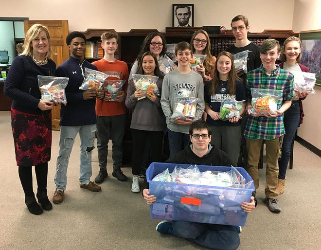 """The 2017-2018 Student Advisory Council filled """"Blessing Bags"""" with travel-sized personal care items for families in need. The bags were distributed to the Ark and the Bethesda Center in Cheatham County."""
