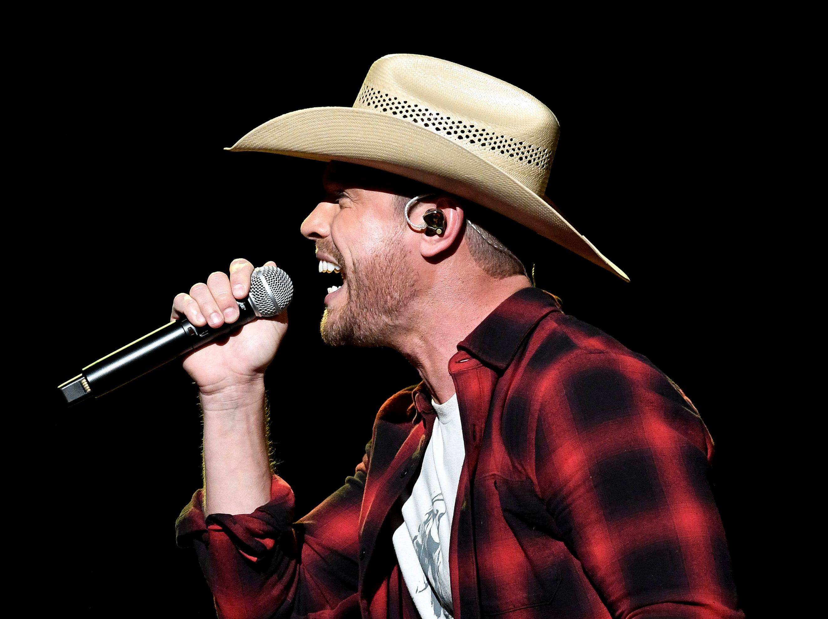 Dustin Lynch performs during the C'Ya On The Flipside Benefit Concert at the Grand Ole Opry House in Nashville, Tenn., Wednesday, Jan. 9, 2019.