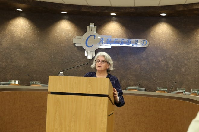 Jacqueline Fishman of Consensus Planning in Albuquerque speaks during a public meeting Wednesday night on of the City of Carlsbad's Comprehensive Plan.
