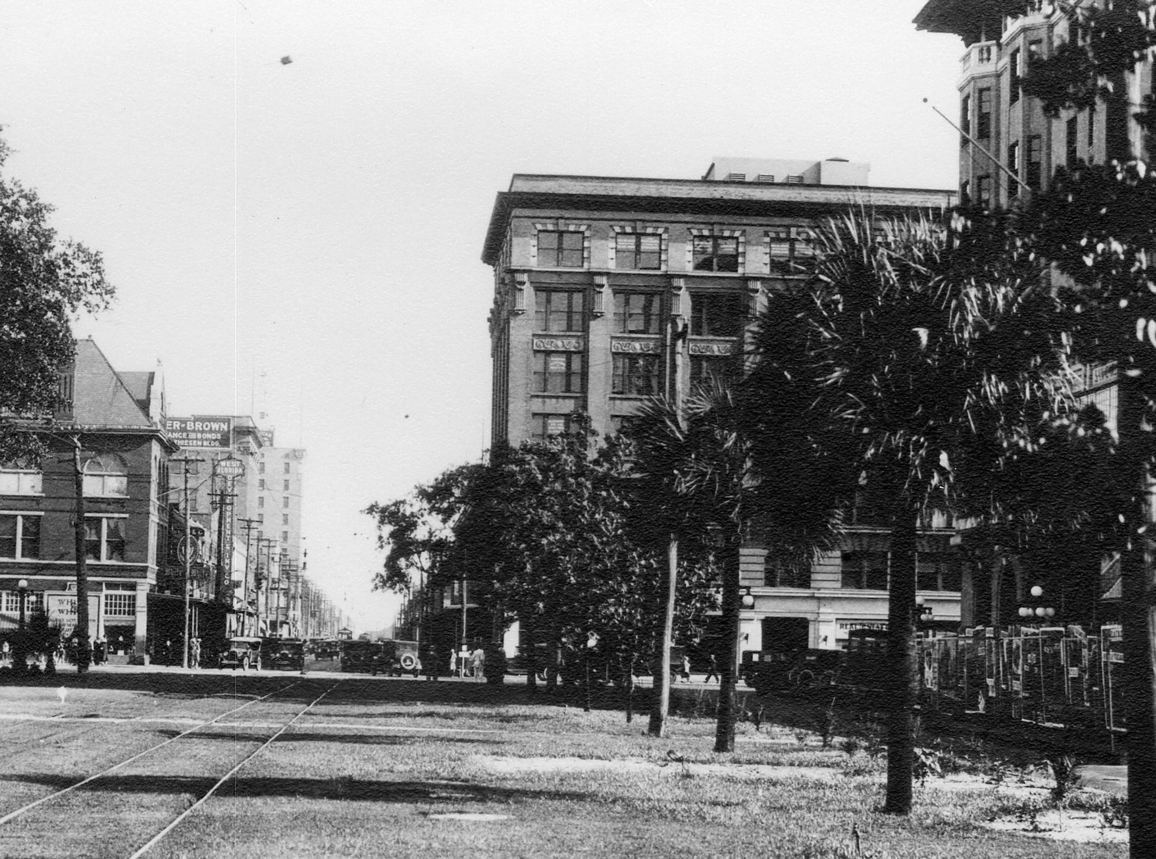 Looking south on Palafox from Garden Street, shows street car tracks in the 1920s.