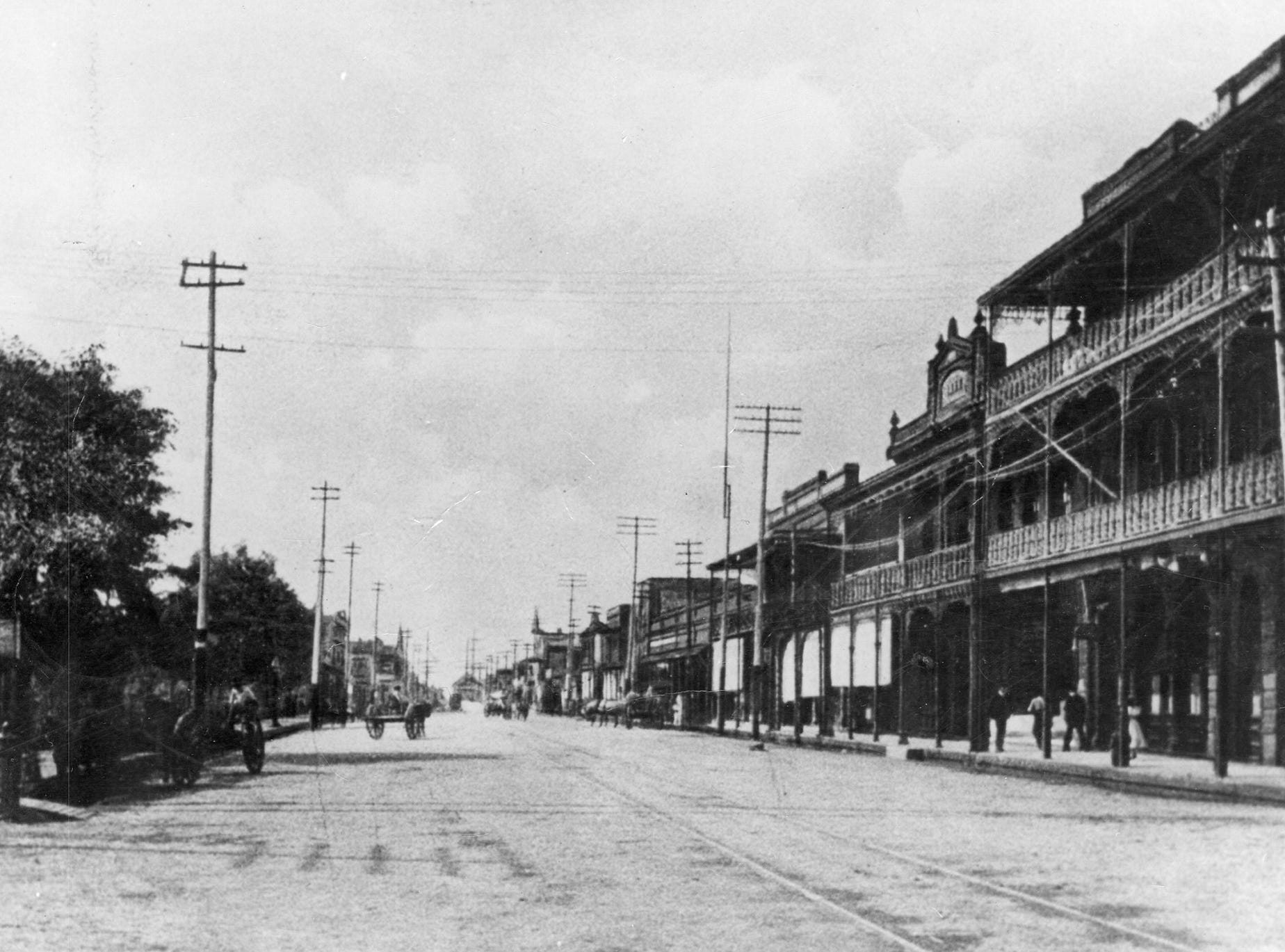 Palafox Street, south of Government Street, 1909.