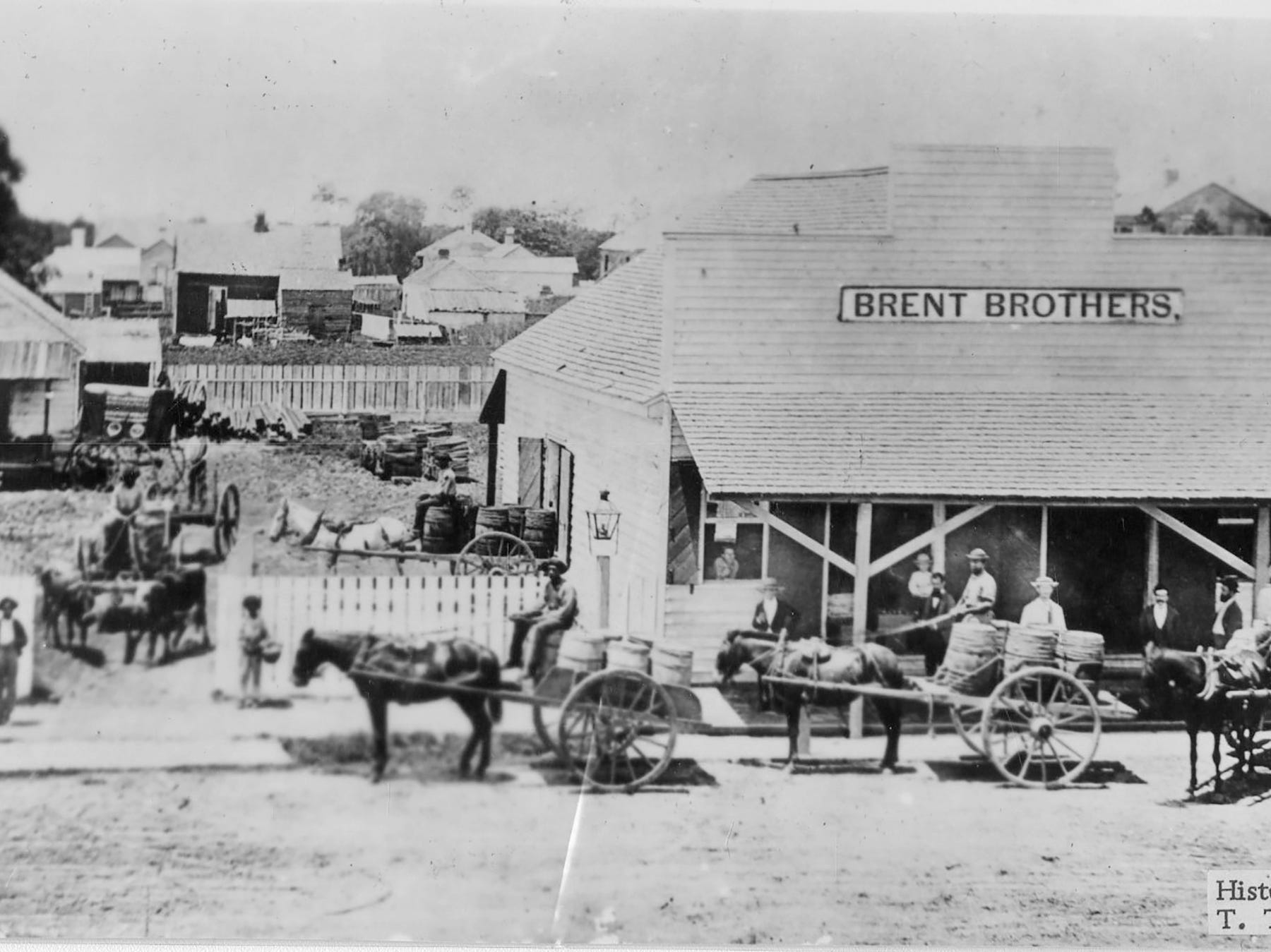 Brent Brothers store on Palafox Street. Date unknown.