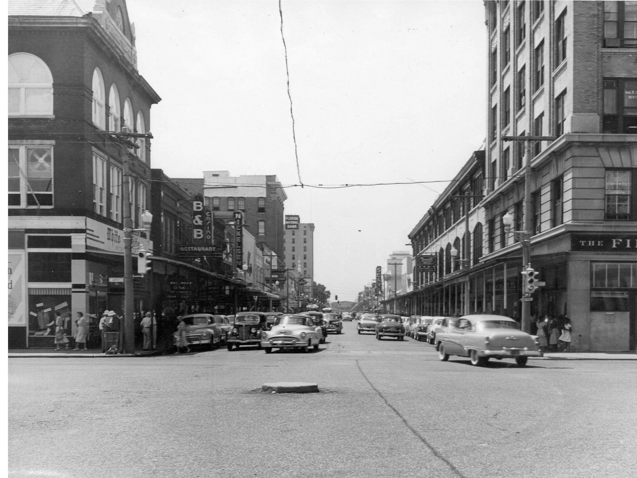 Palafox Street looking south from Garden Street. Date unknown.