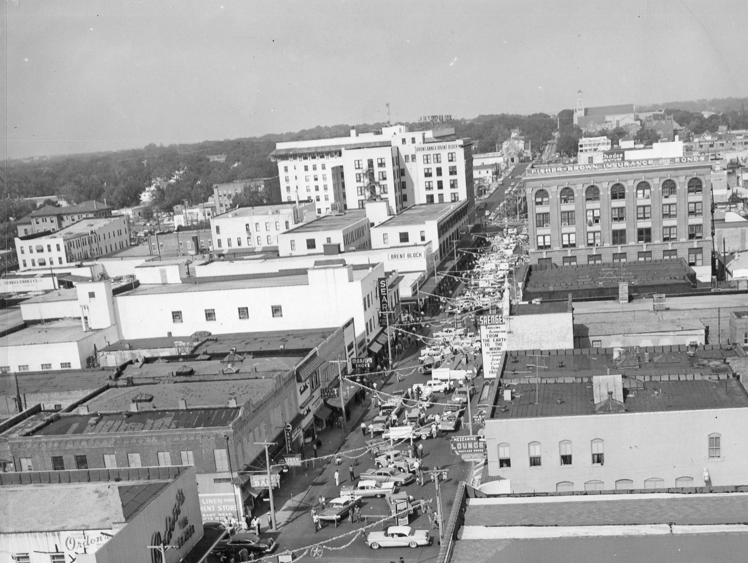 Palafox Street, south view. Date unknown.