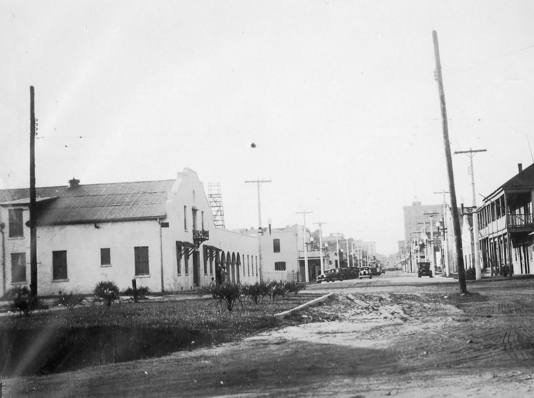 View from the foot of Palafox Street in 1920.