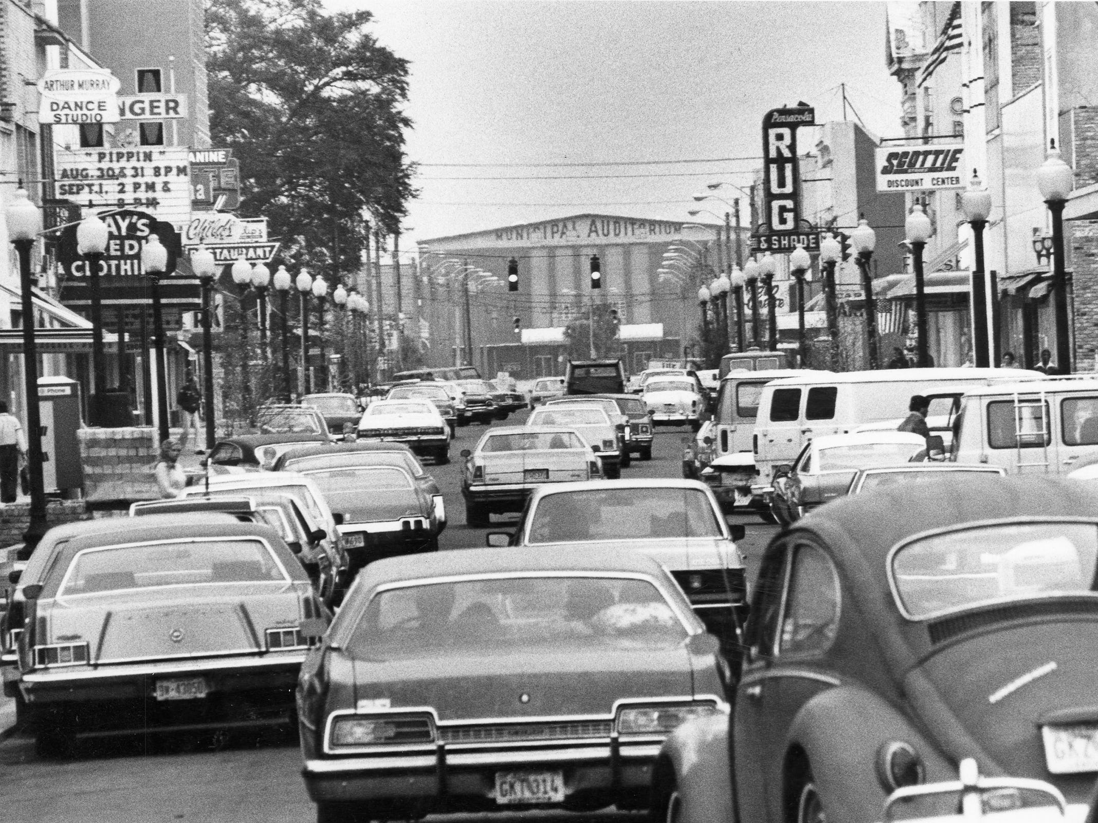 Traffic on Palafox Street. Date unknown.
