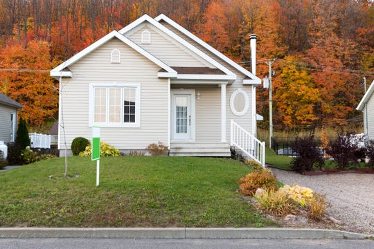 There are more homes on the market, but the number of sales declined in Rockland and Westchester in the last quarter of 2018, according to a recently released housing report.