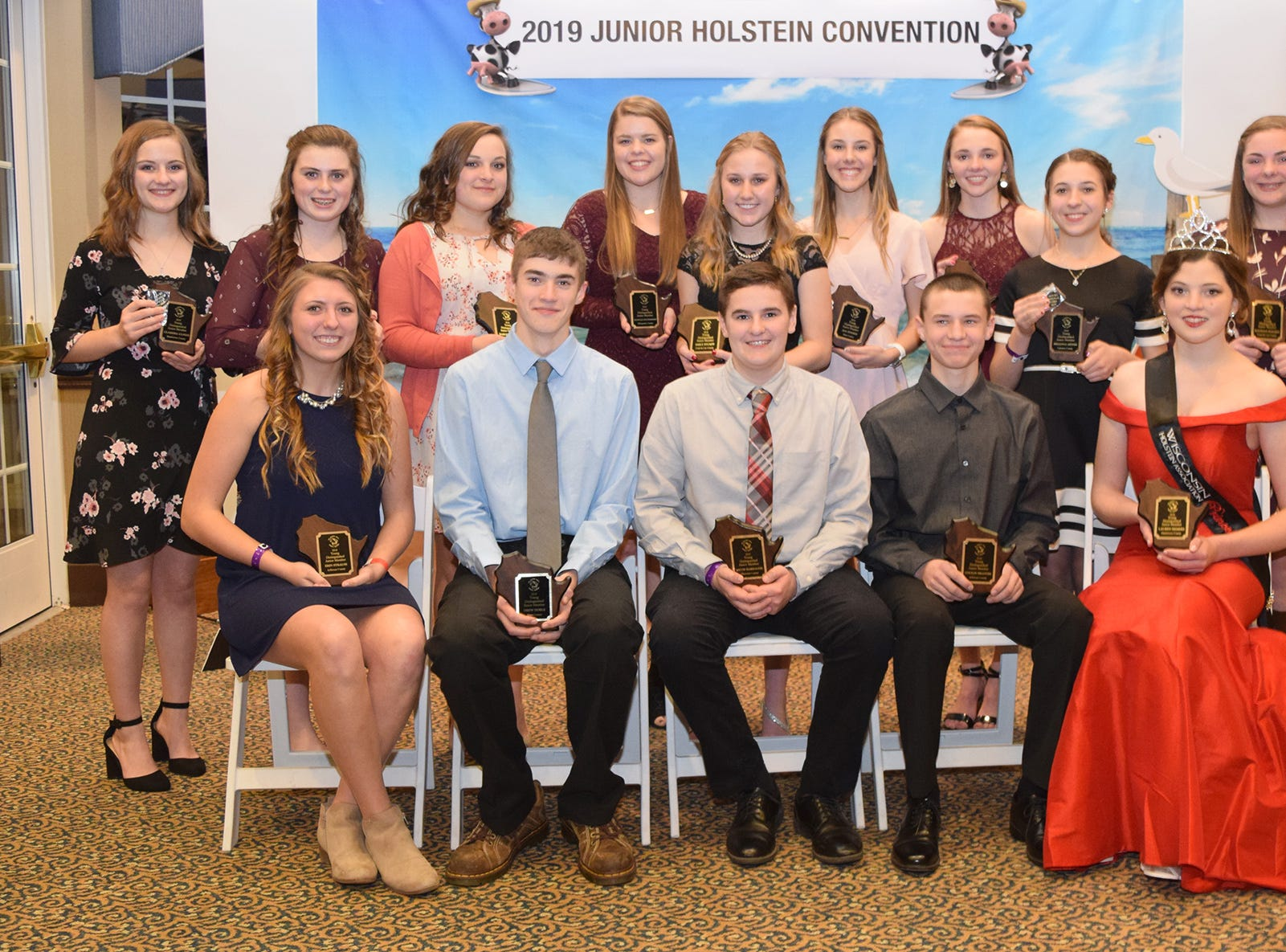 The Young Distinguished Junior Members honored at the Wisconsin Junior Holstein Convention are front row (from left) Erin Strauss, Drew Noble, Jacob Harbaugh, Colton Brandel, and Lauren Siemers. Back row (from left) Clarissa Ulness, Ainsley Noble, Kaelyn Weigel, Hannah Hockerman, Emily Stumpf, Ava Endres, Ashlyn Sarbacker, Brianna Meyer, and Kaydence Hodorff.