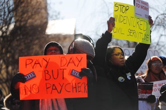 Government shutdown: Federal workers brace for missing pay