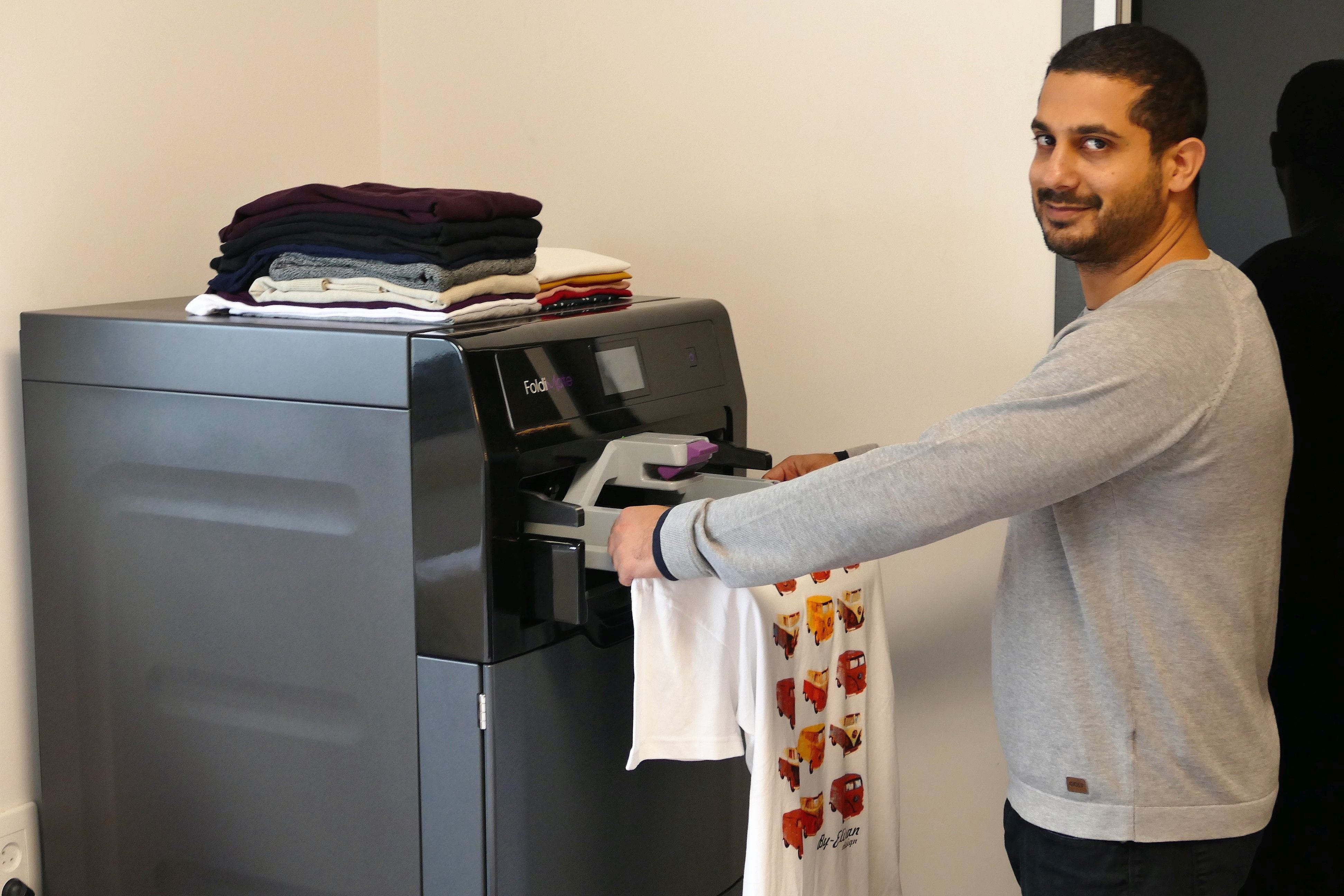 Machine that folds laundry debuts at Consumer Electronics Show and parents learn to dream again