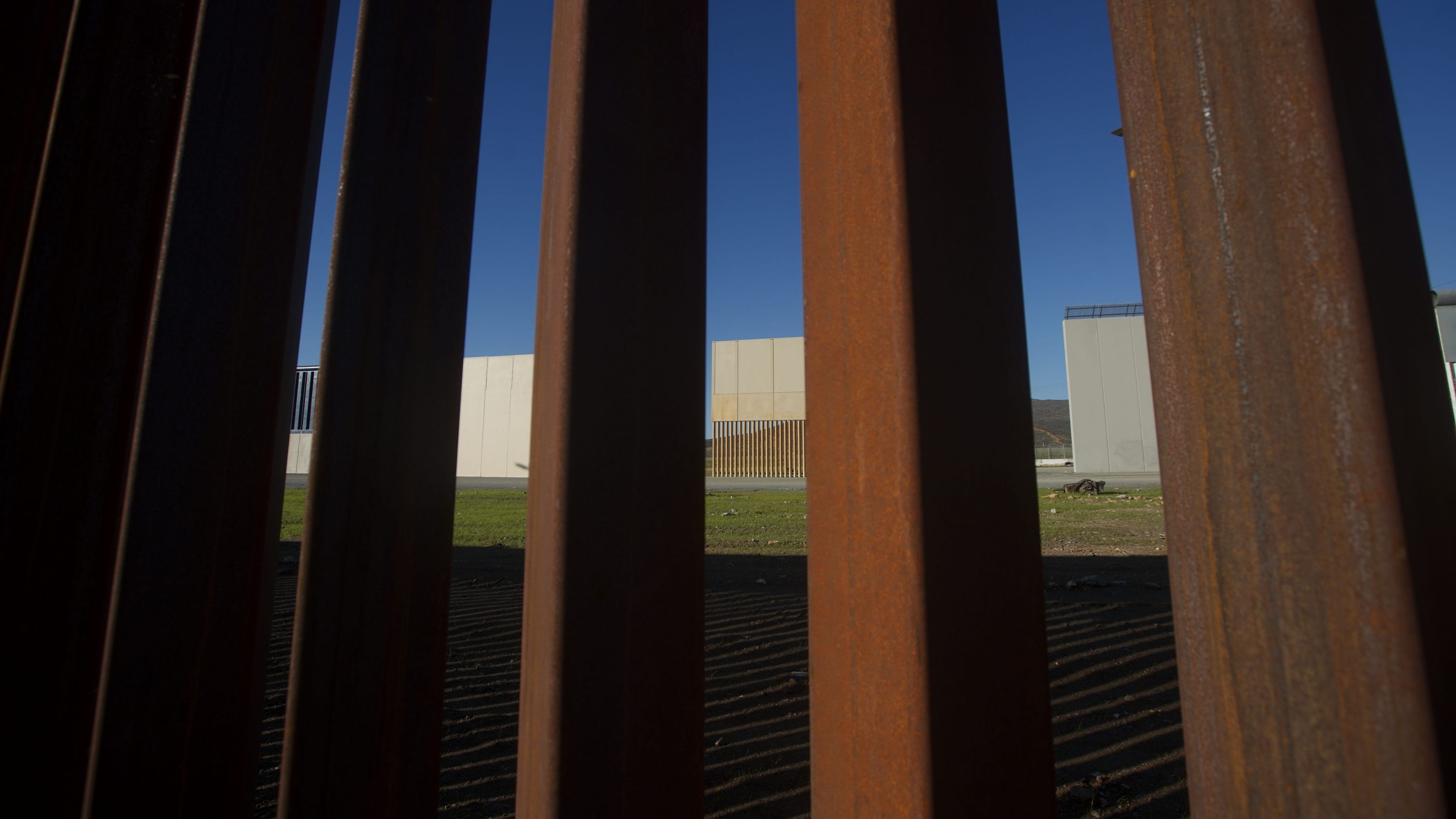 Sleet slat wall prototype sawed through in DHS test, report says