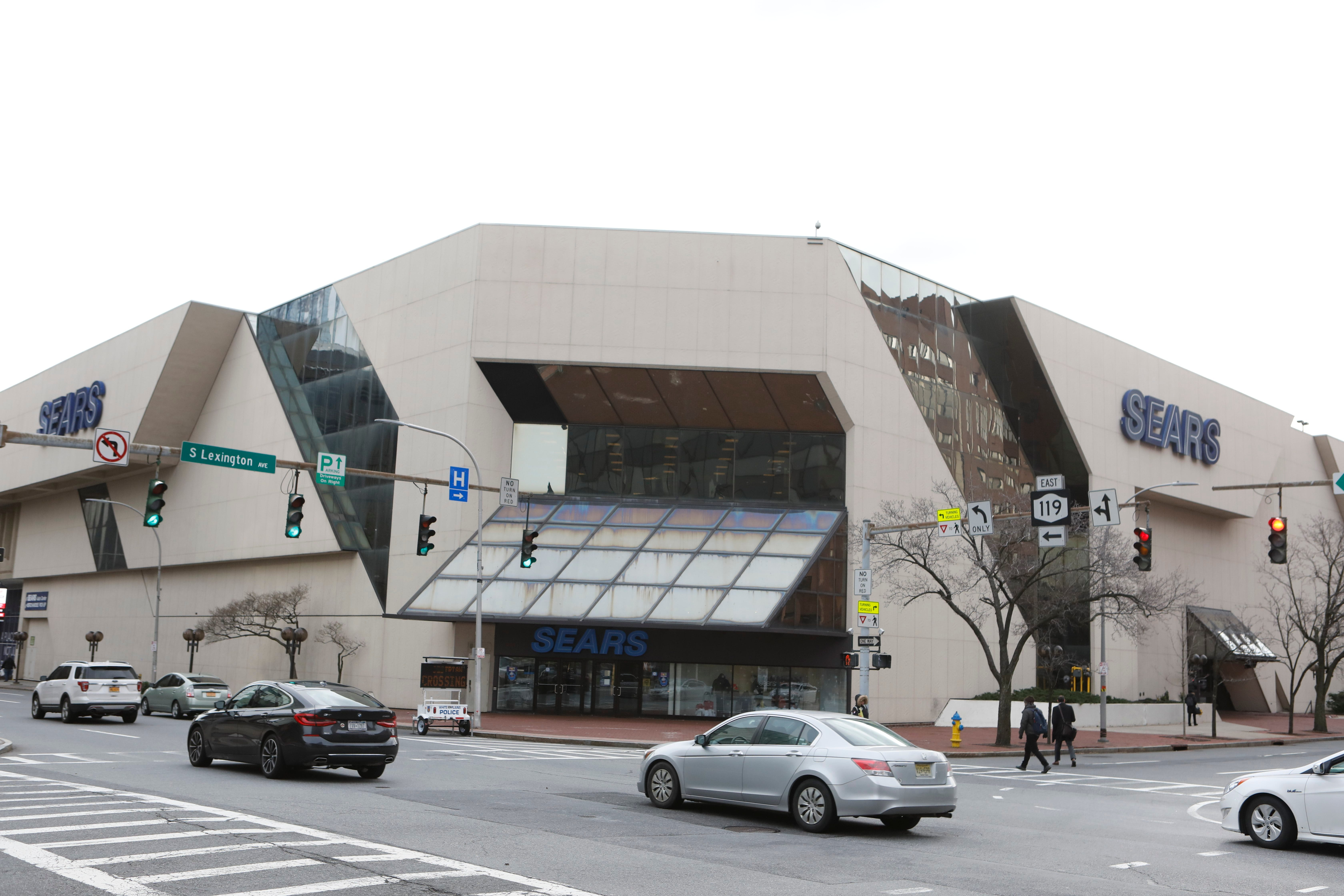 Sears store in White Plains, N.Y., watches its destiny decided in courthouse 2 blocks away