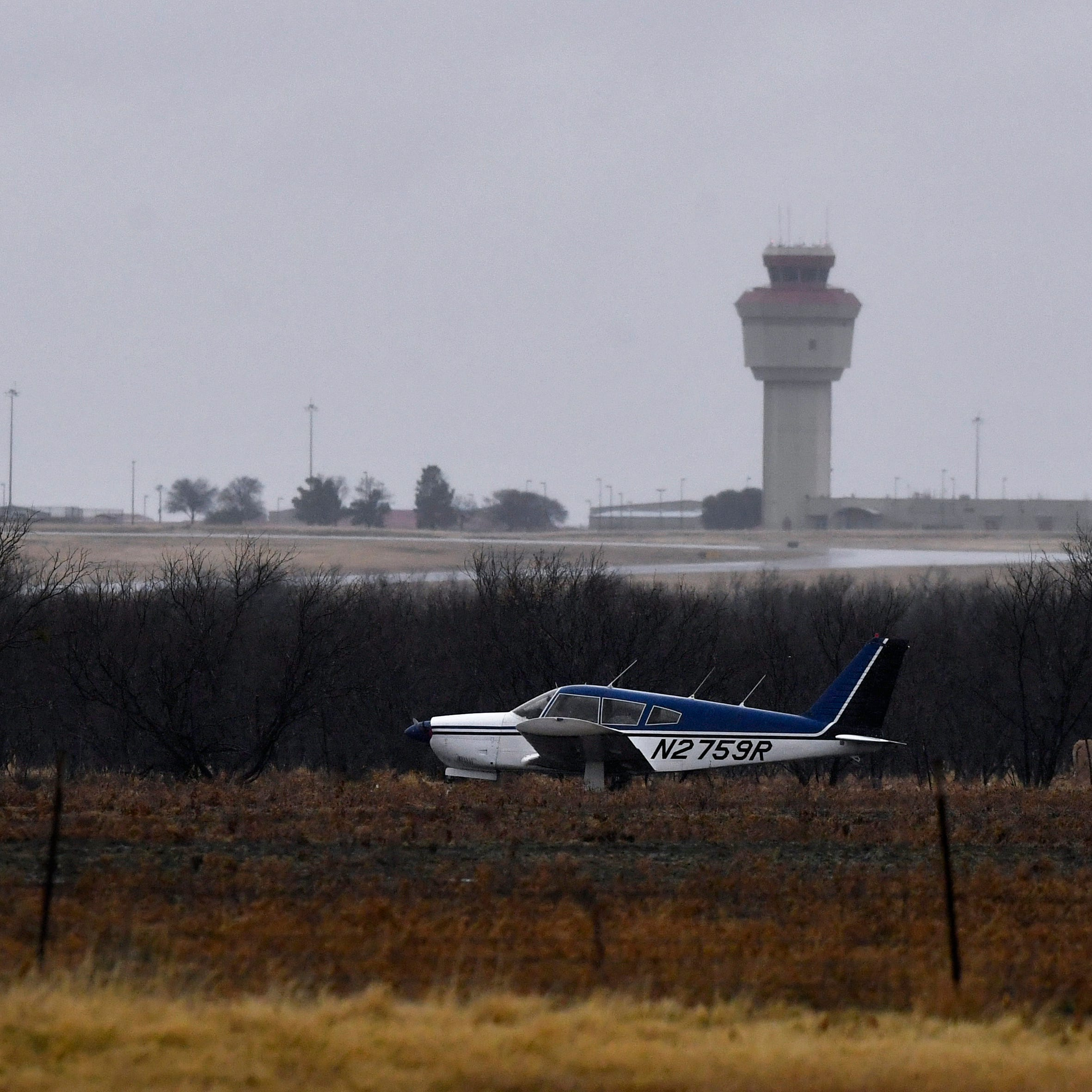 Pilot lands safely in field near Abilene Regional Airport