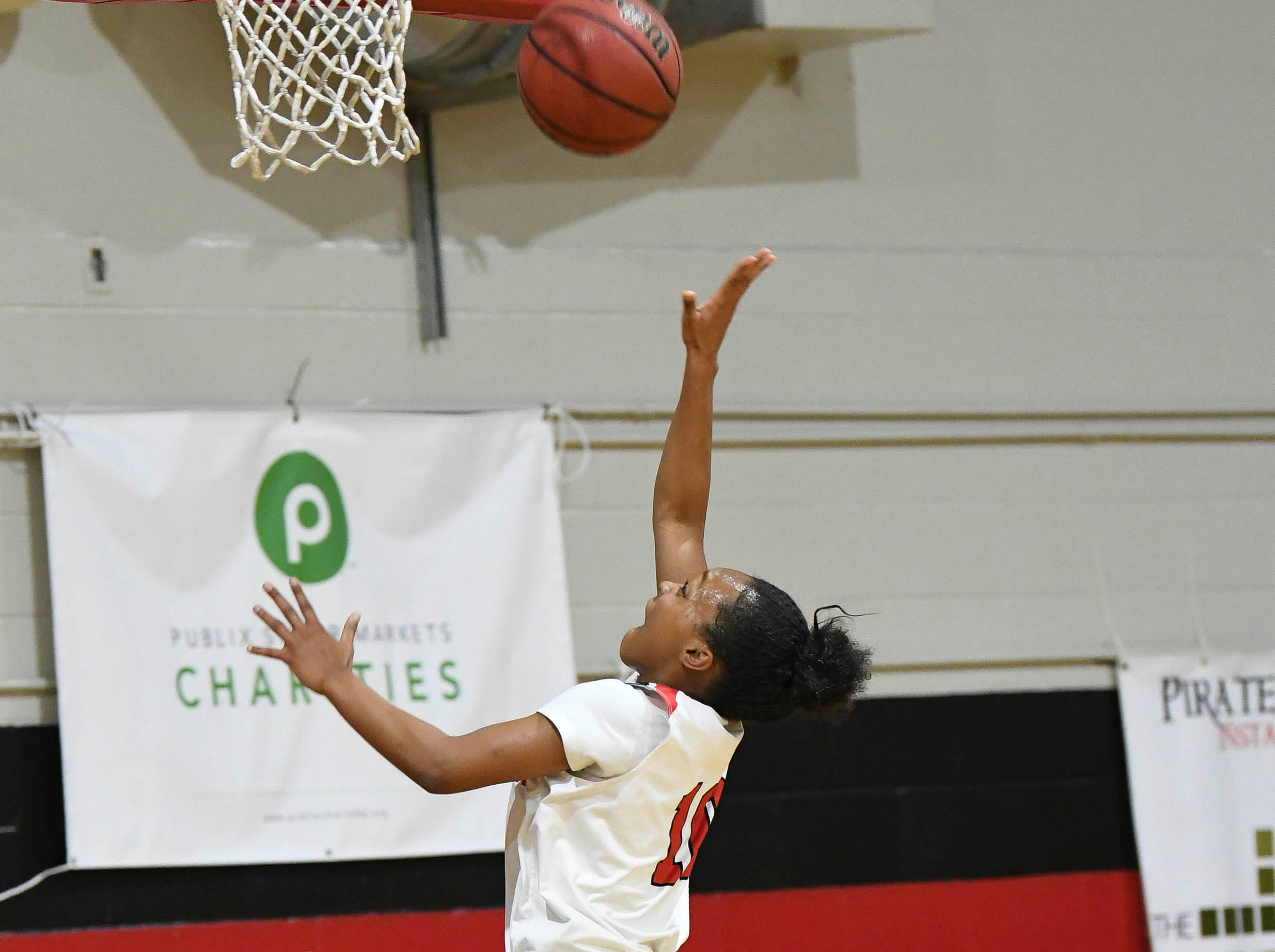 Palm Bay's Siamara Alfonso gets an uncontested shot during Thursday's game.