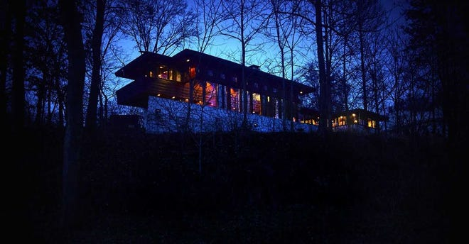 Frank Lloyd Wright's Boulter House in Clifton