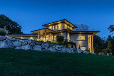 Mansion Monday: West Des Moines home selling for $1.19M