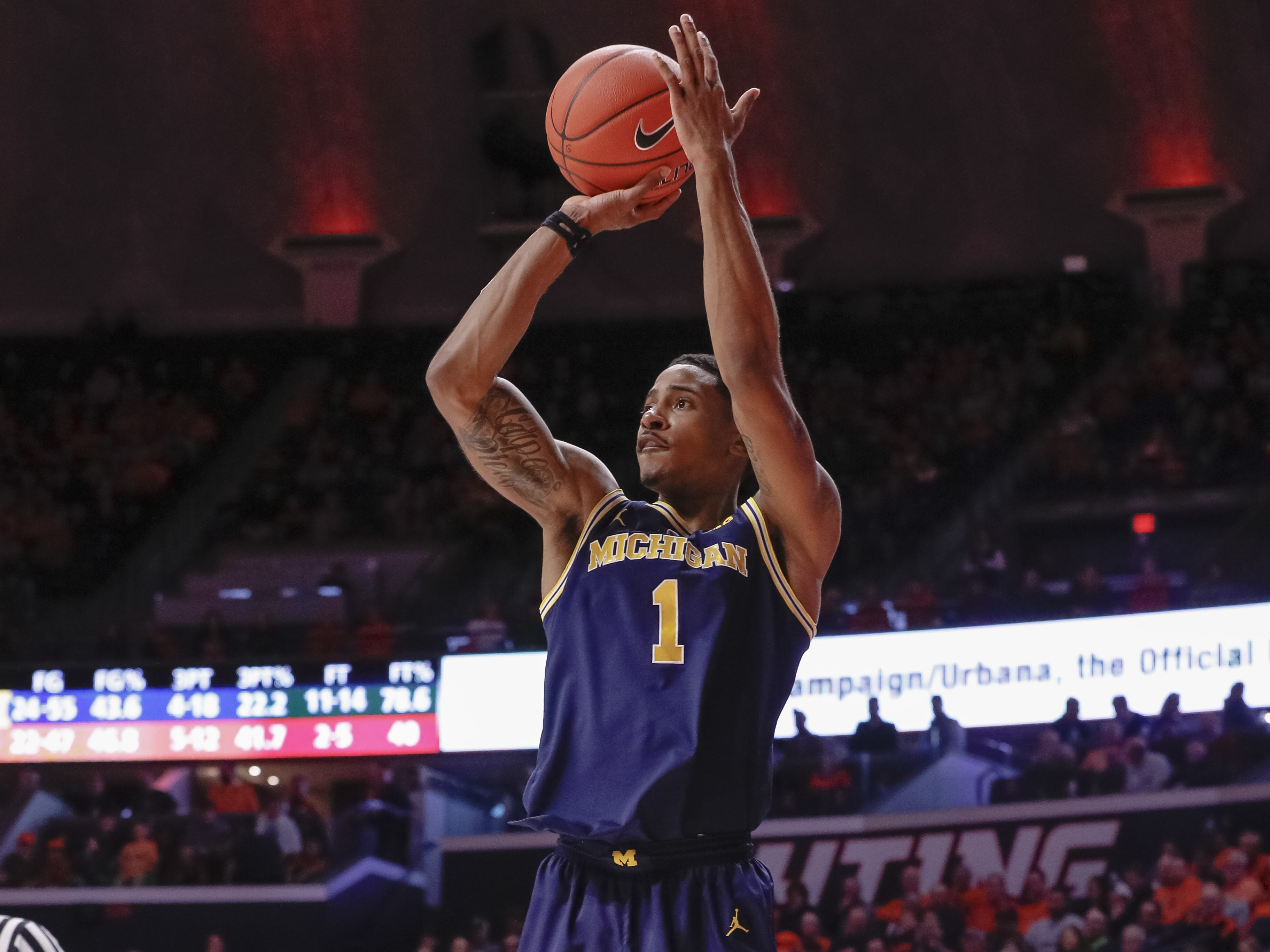 Michigan guard Charles Matthews shoots a jump shot during the second half of U-M's 79-69 win on Thursday, Jan. 10, 2019, in Champaign, Ill.
