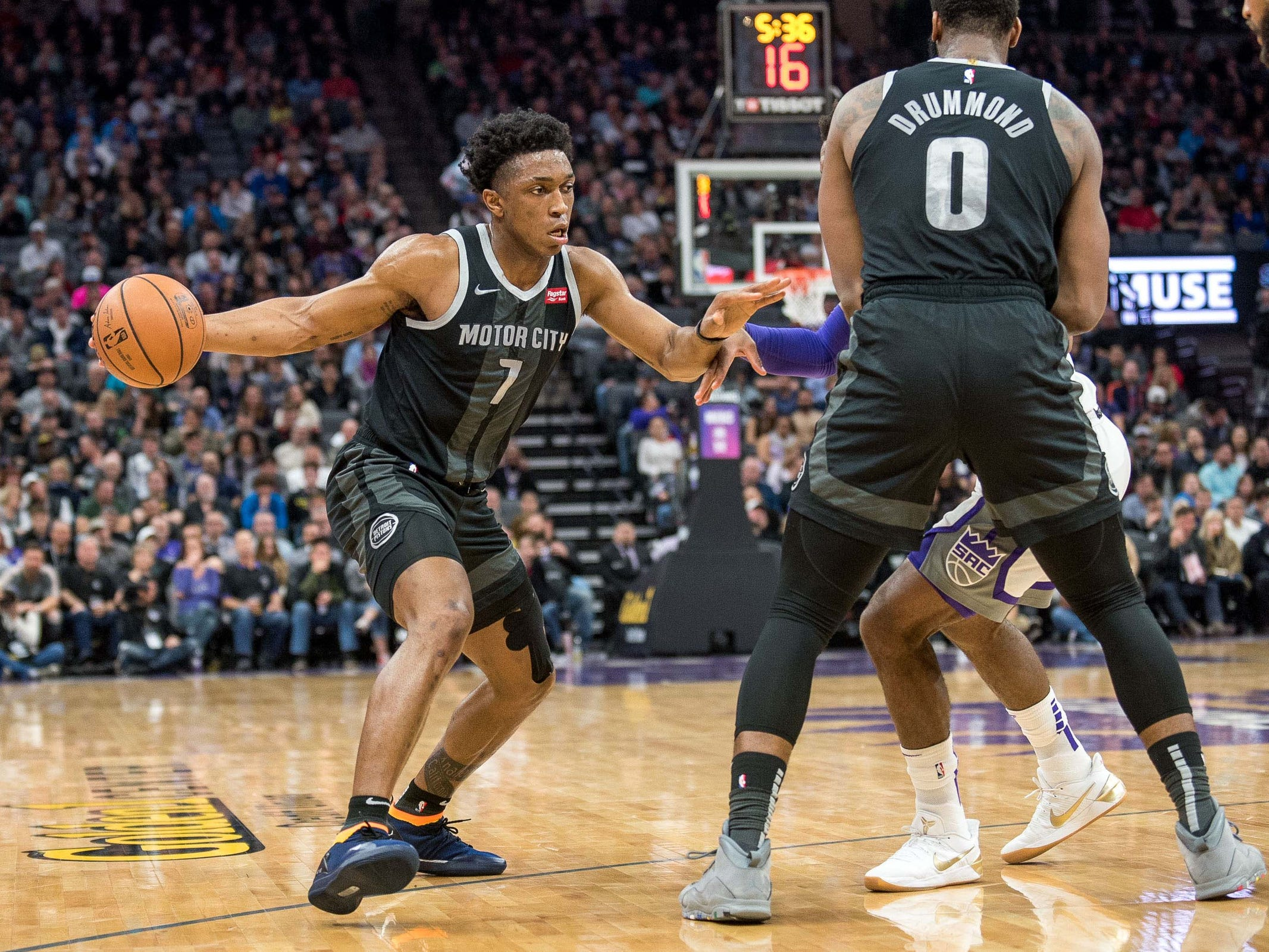 Detroit Pistons forward Stanley Johnson (7) drives to the basket during the second quarter against the Sacramento Kings at Golden 1 Center on Thursday, Jan. 10, 2019, in Sacramento, Calif.