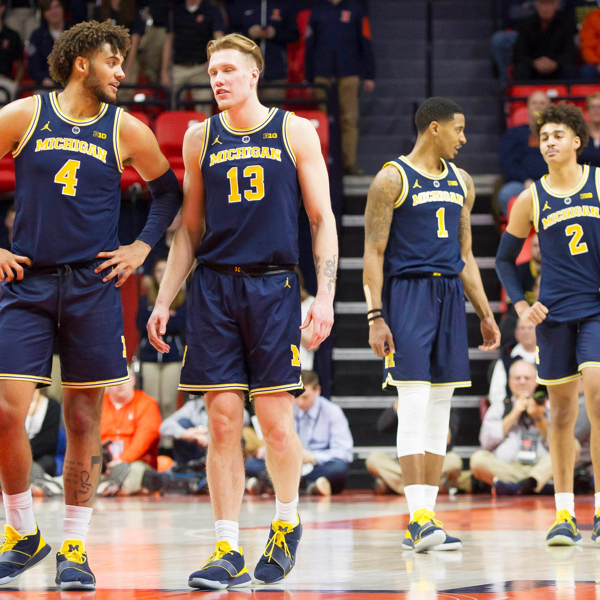 Michigan basketball starts tough road stretch with No. 1 ranking in reach