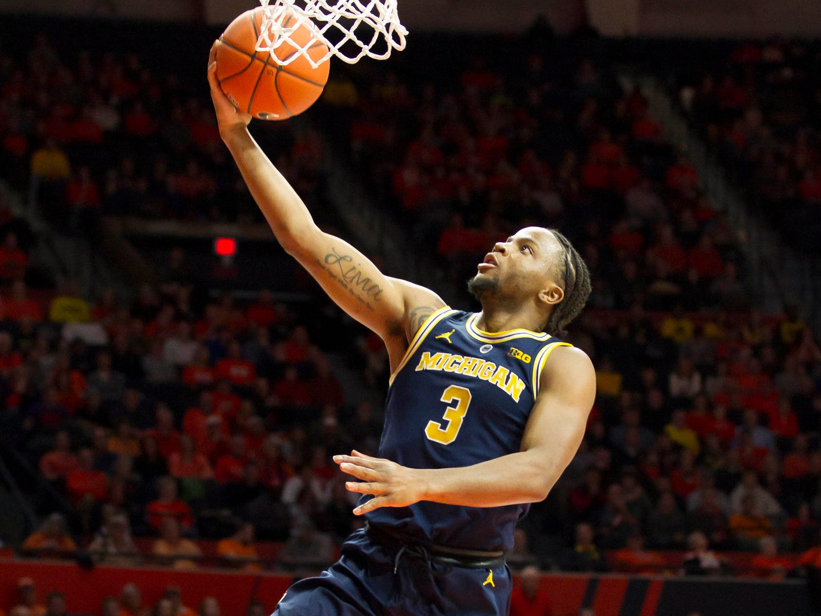 Michigan guard Zavier Simpson shoots during the second half of U-M's 79-69 win on Thursday, Jan. 10, 2019, in Champaign, Ill.