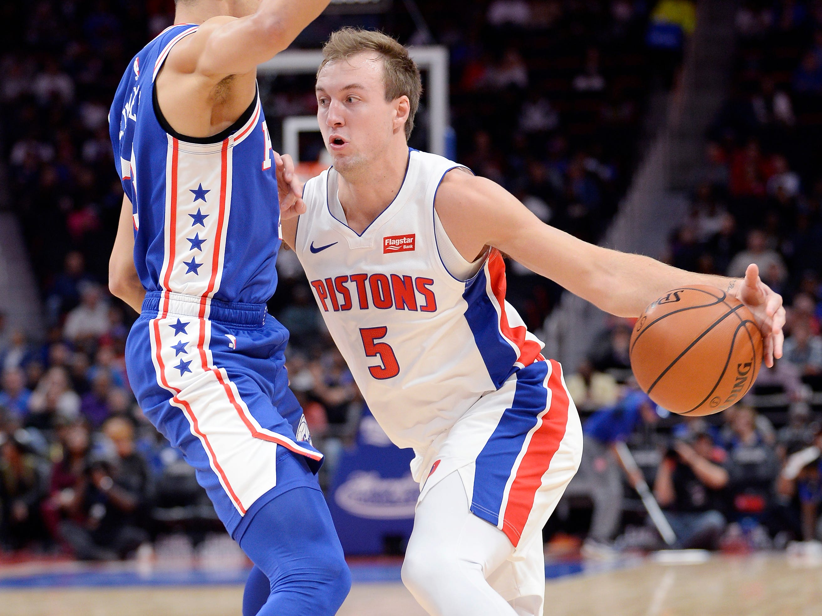 Luke Kennard -- Stats: 7.1 pts., 2.7 rebs., 36% 3FG in 23 games. Age: 22. The second-year shooter missed a big chunk of the season because of an injury and has struggled to find a good groove since. Aside from a big 28-point game, he has been up and down and needs to look for his shot more aggressively and improve his defense. Grade: C