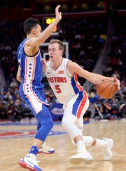 Luke Kennard is a facilitator and from the eye test, his skill set simply gets lost when he plays with the starting group. In the last six games, he's posting 13.5 points and is hitting 53 percent on 3-pointers.