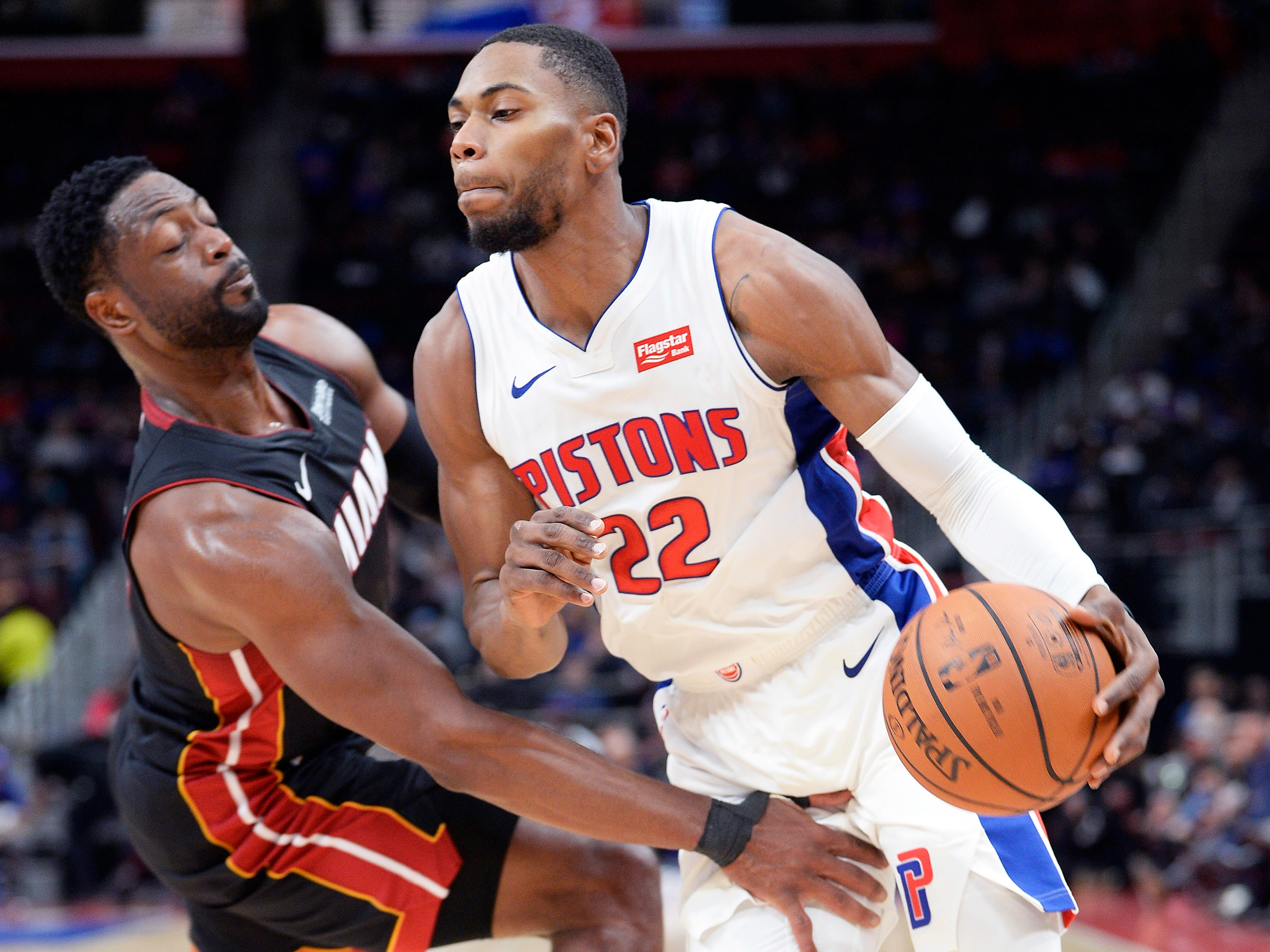Glenn Robinson III -- Stats: 4.4 pts., 1.4 rebs., 28% 3FG in 28 games. Age: 25. He was supposed to be a better option at small forward, but after earning the starting job, an ankle injury sidelined him for a couple of weeks, putting the position back in flux. He doesn't have the same athleticism as early in his career, but he can help if he's more aggressive. Grade: C+