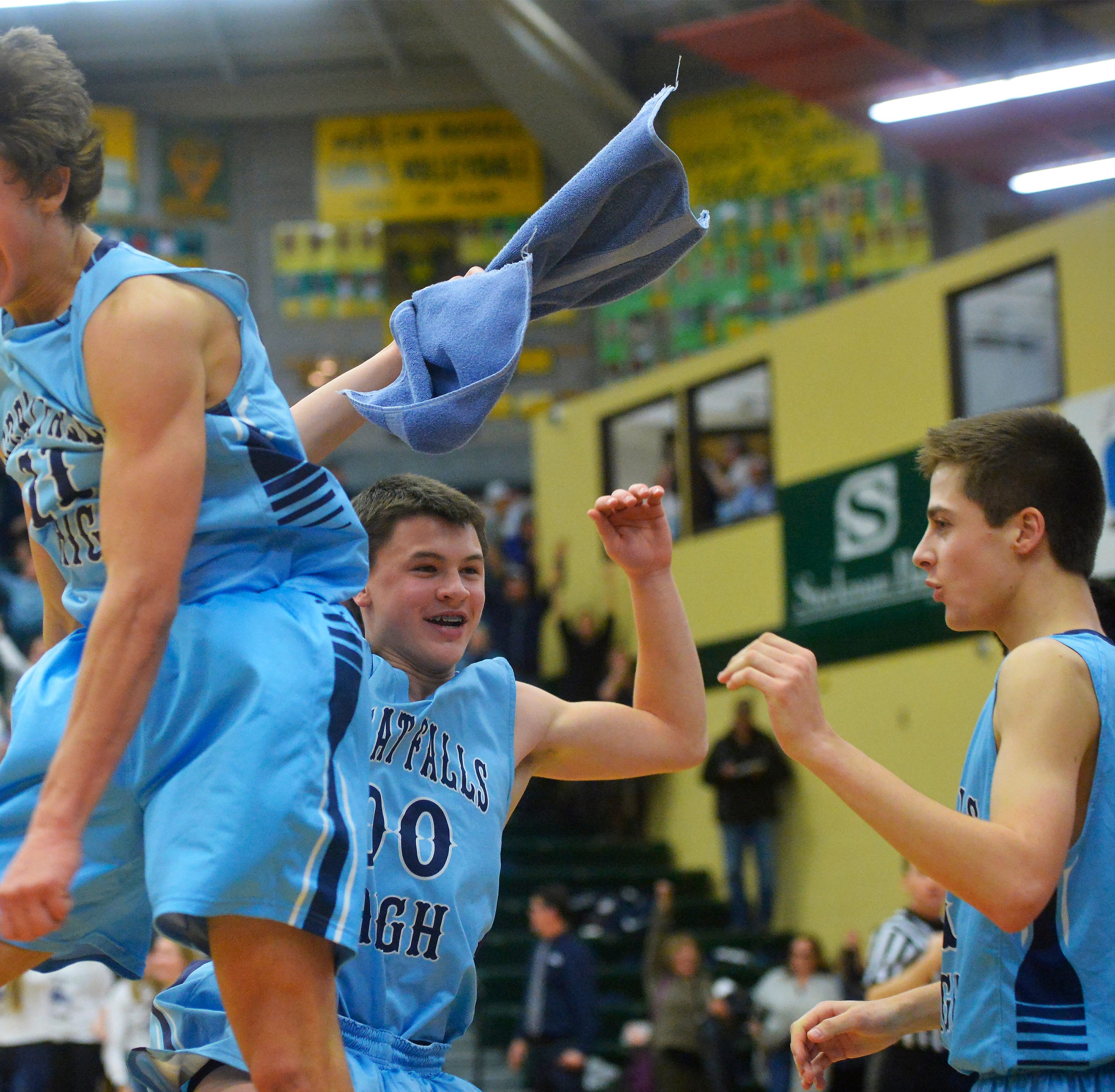 Bison pull ahead late, hang on for crosstown hoops victory over CMR