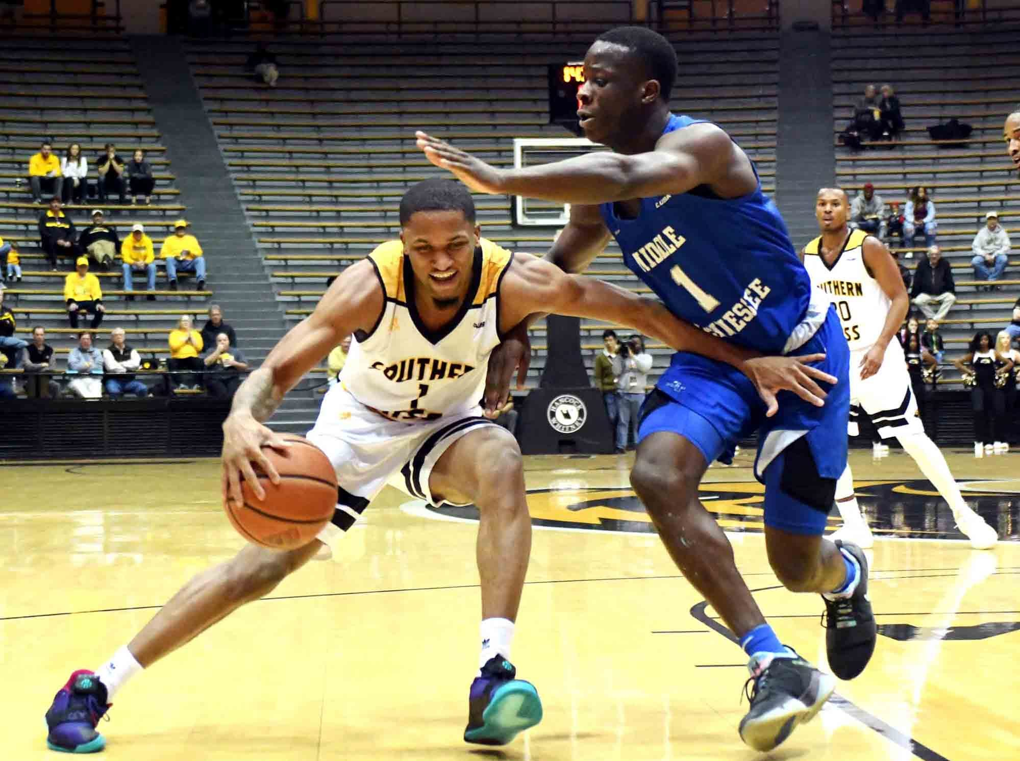 Southern Miss guard Cortez Edwards takes possession of the ball in a  game against Middle Tennessee in Reed Green Coliseum on Thursday, January 10, 2019.