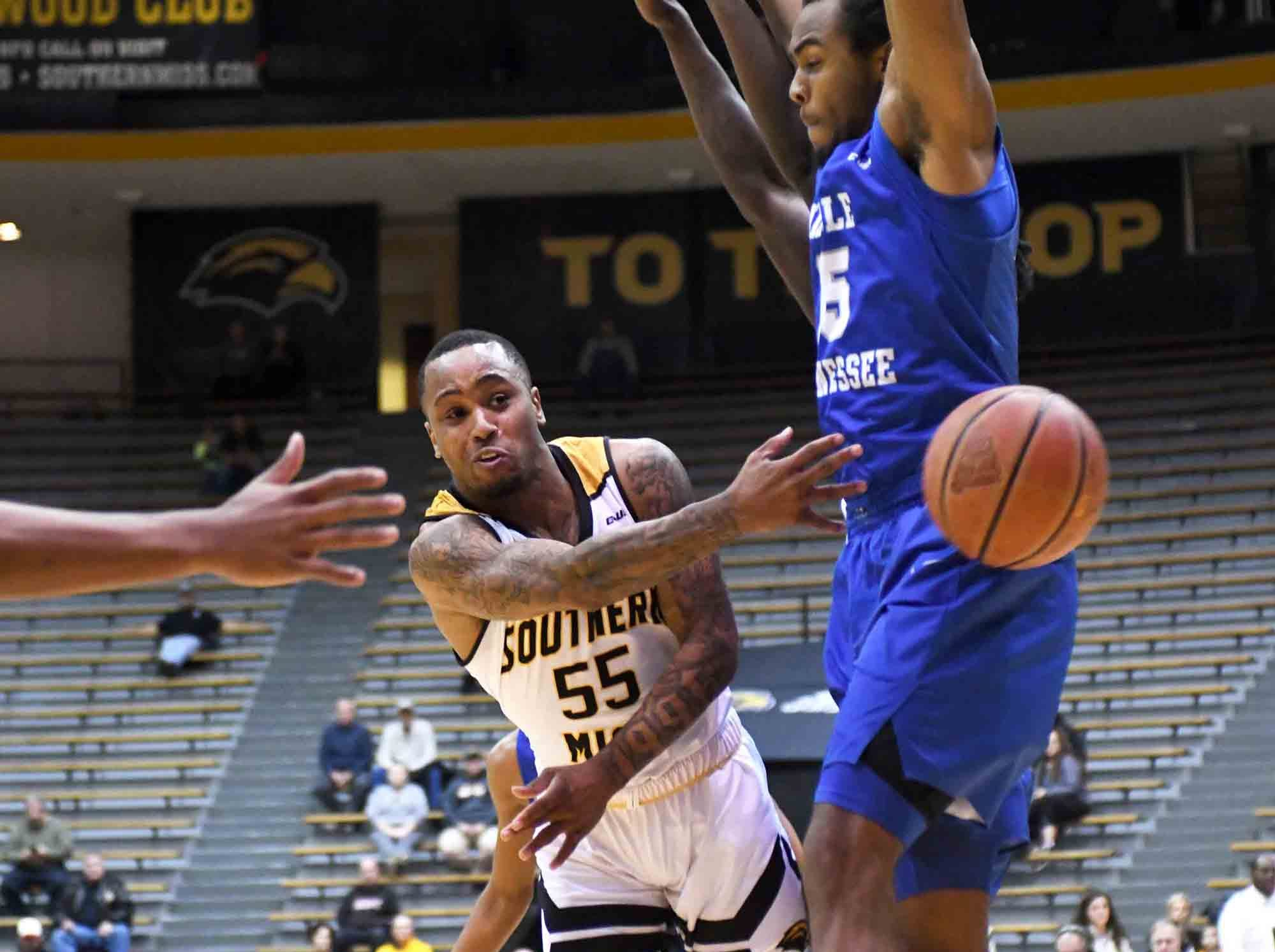 Southern Miss guard Tyree Griffin passes the ball in a  game against Middle Tennessee in Reed Green Coliseum on Thursday, January 10, 2019.