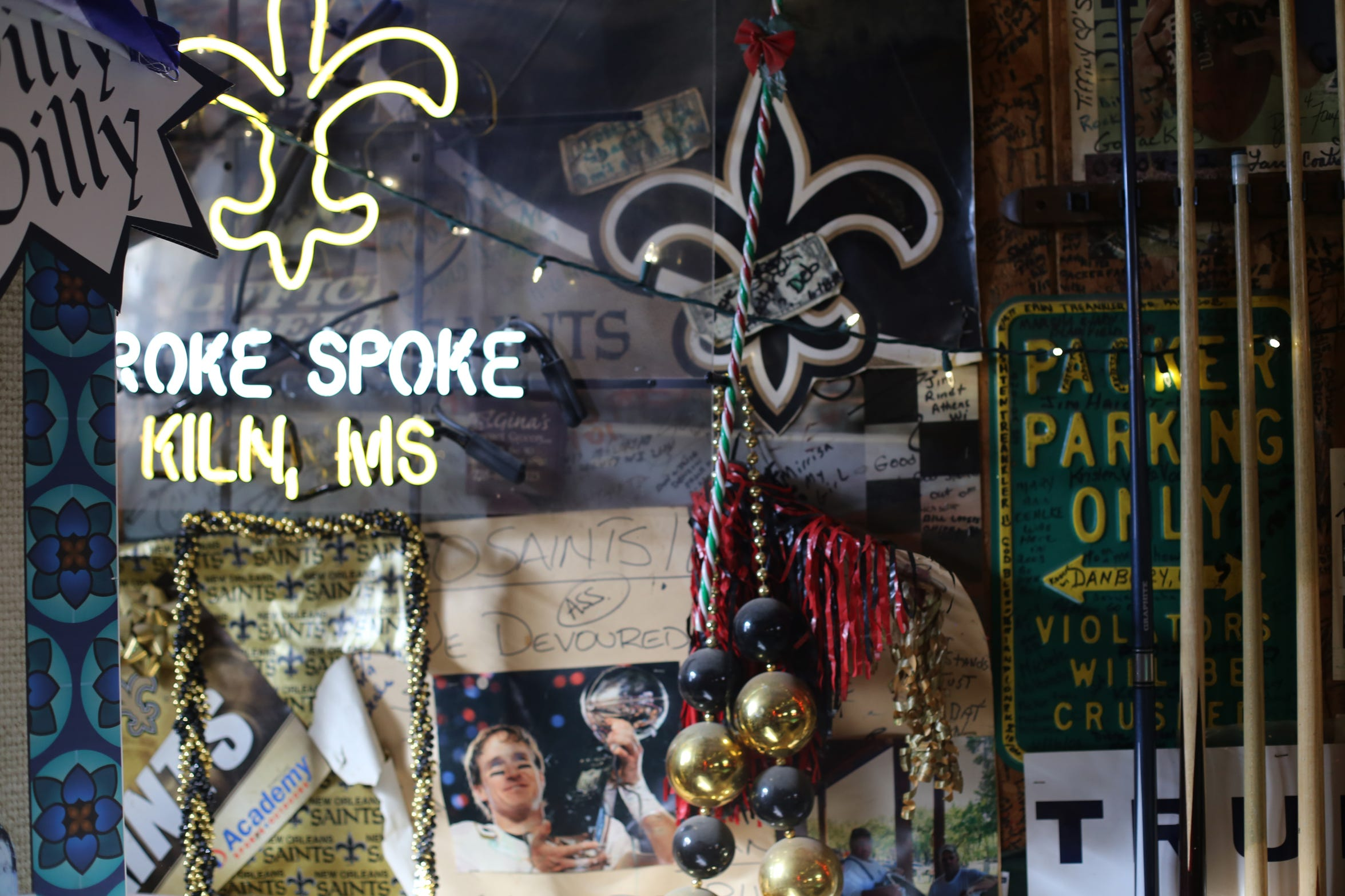 The New Orleans Saints have taken over as crowd favorite at the Broke Spoke bar in Kiln, Mississippi, after hometown football star Brett Favre retired from the game.