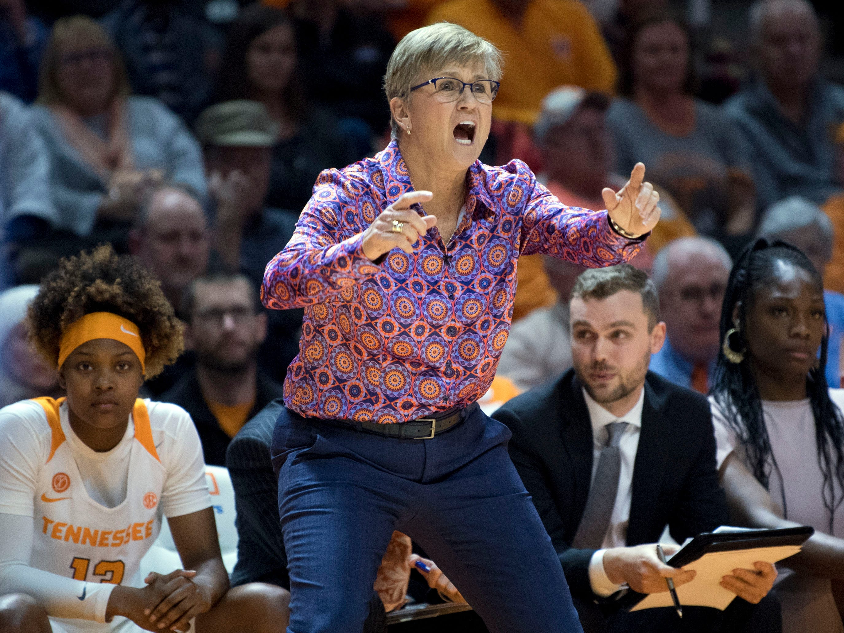 Tennessee women's basketball coach Holly Warlick yells out directions to her team during the game against Kentucky on Thursday, January 10, 2019.
